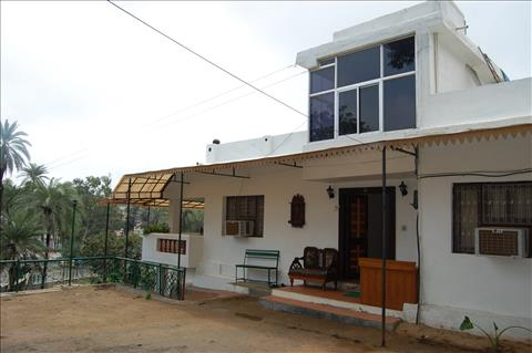 Car On Rent In Mount Abu